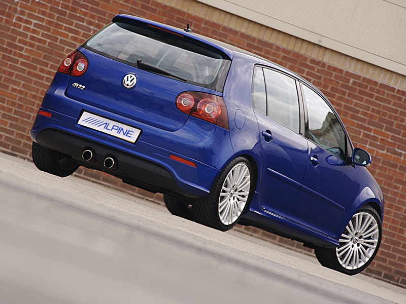 Alpine uk vw golf r32